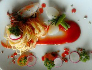spaghetti cumi saus tomat